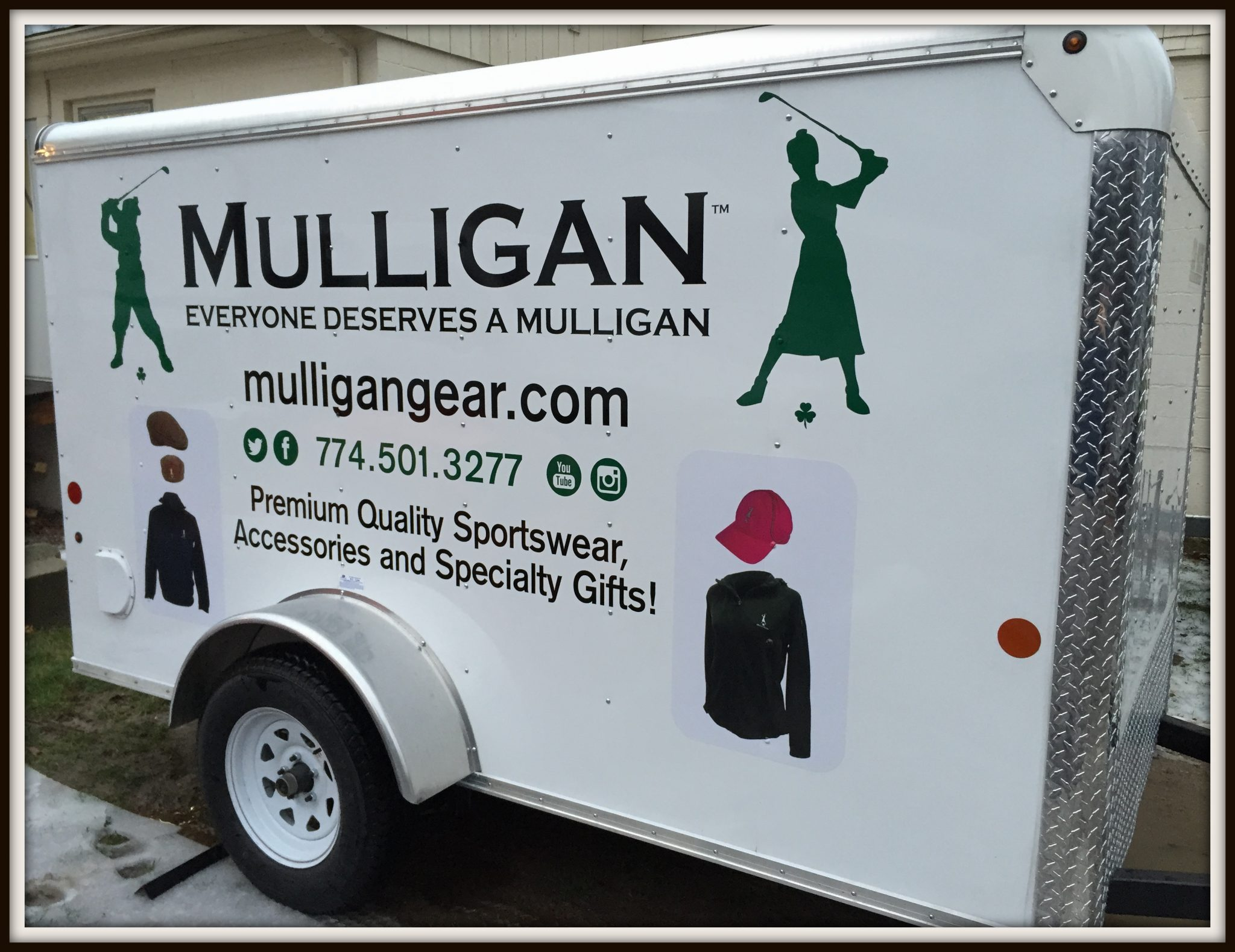 Mulligan Gear trailer with border